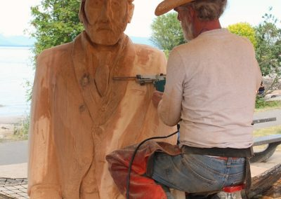 Consultant Howard Lobb carving Vincent